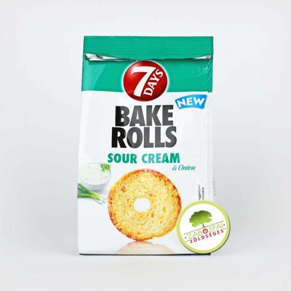 bake-rolls-hagymas-tejfolos